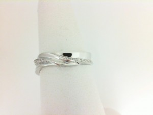 White 14 Karat Wedding Band Wedding Band With 24=0.22Tw Round Diamonds Ring Size: 6.5