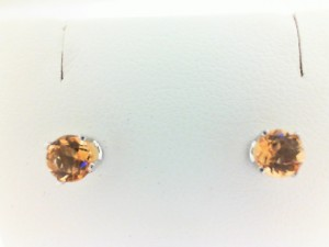 White 14 Karat Stud Earrings With 2=4.00Mm Round Citrines