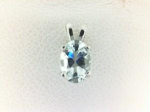 White 14 Karat Pendant With One 0.74Ct Oval Aqua