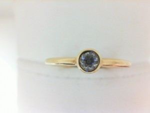Forevermark: 18 Karat Yellow Gold Tribute Stackable Ring With One 0.15Ct Forevermark  Round Diamond Fm3055578