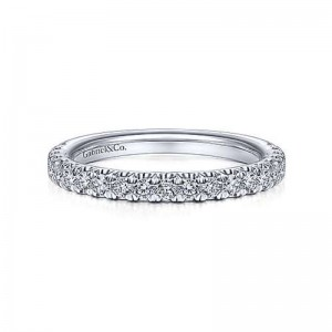White 14 Karat Wedding Band With 0.45Tw Round Diamonds