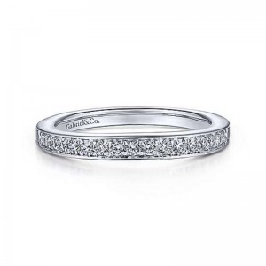 White 14 Karat Wedding Band With 0.18Tw Roundsi1-2 Diamonds