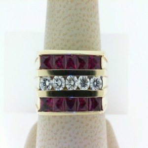 14Ky 2.10Ctw Ruby & .58Ctw Diamond Gents Ring