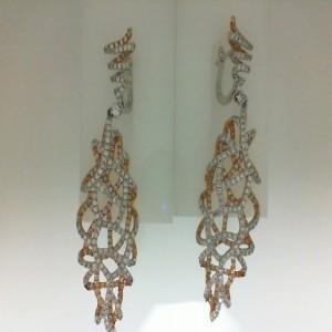 White/Rose 18 Karat Dangle Earrings With 560=3.75Tw Round Diamonds Serial #: 515337