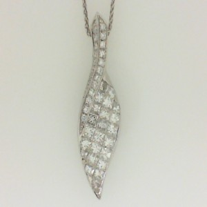 18 Karat White Gold 1.88Cttw Diamond Free-Form Leaf Design Slide On A 14 Karat White Gold 18 Inch