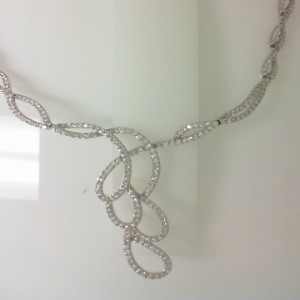 Ackerman Signature Collection: White 18 Karat Collar Necklace With 294=6.48Tw Round F Vs2 Diamonds
