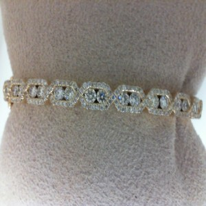 White 14 Karat Bangle Bracelet With 191=1.85Tw Round Diamonds
