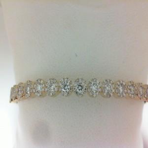 Yellow 14 Karat Bangle Bracelet With 6=0.03Tw Round Diamonds And 181=1.95Tw Round Diamonds. 1.98Tw