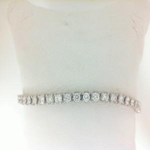 White 14 Karat Bracelet With 35=2.03Tw Round Diamonds