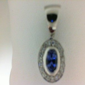 Lady S White Pendant Pendants With 20=0.30Tw Round Diamonds And One 0.89Ct Oval Tanzanite
