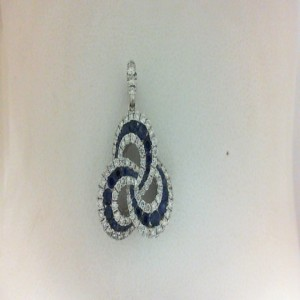 White 18 Karat Pendant With 32=0.37Tw Round Sapphires And 85=0.41Tw Round Diamonds 14 Kt Chain