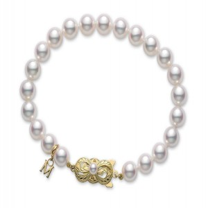 18 Karat Yellow Gold 6X5.5Mm A1 7 Inch Quality White Pearl Bracelet - 7 Inch