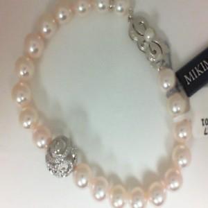 White 18 Karat Bracelet With 0.41Tw Diamonds Sphere Roundel And 20=7.00X7.50Mm Round Pearls
