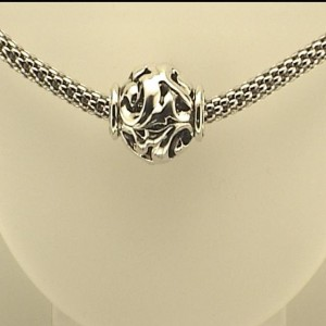 Sterling Silver Hollow Link Chain Length: 17 Name: 3.5Mm Chain 14Mm Ivy Bead