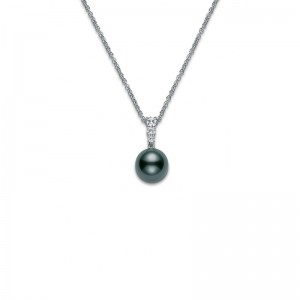 18 Karat White Morning Dew Pendant With One 10.00Mm Round Black Tahitian And 3=0.24Tw R Diamonds 18 Inch