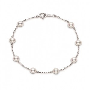 18 Karat White Gold 5 To 5.5 Mm White Pearl Tin-Cup Bracelet - 7 Inch