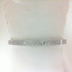 White 14 Karat Bracelet With 207=1.29Tw Round Diamonds