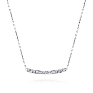 White 14 Karat Necklace With 0.16Tw Baguette G/H Vs2 Diamonds And 0.31Tw Round G/H Vs2 Diamonds