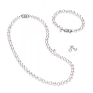 White 18 Karat Strand 3 Pc Set Studs=7Mm Necklace/Bracelet=6-7Mm Length: 18 /7