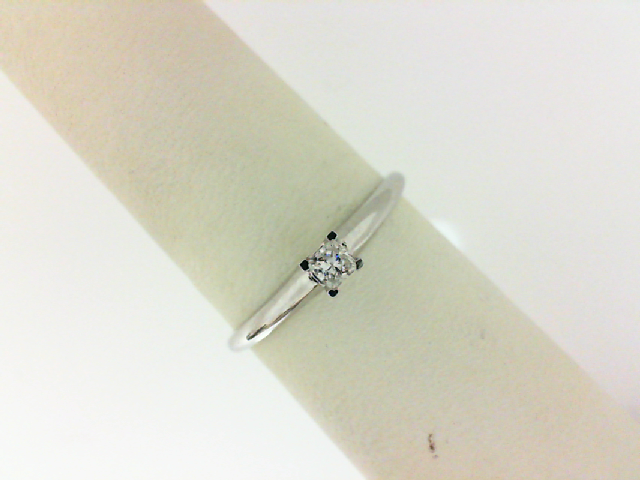 14 Karat White Gold Solitaire Engagement Ring With One 0.10Ct Princess H/I Si3 Diamond