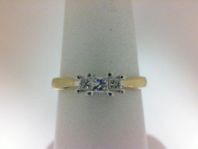 14 Karat Two-Tone Gold Engagement Ring With 3=0.23Tw Princess I/J Si2-I1 Diamonds