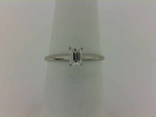 14 Karat White Gold Solitaire Ring With One 0.25Ct Emerald H/I Si1-2 Diamond