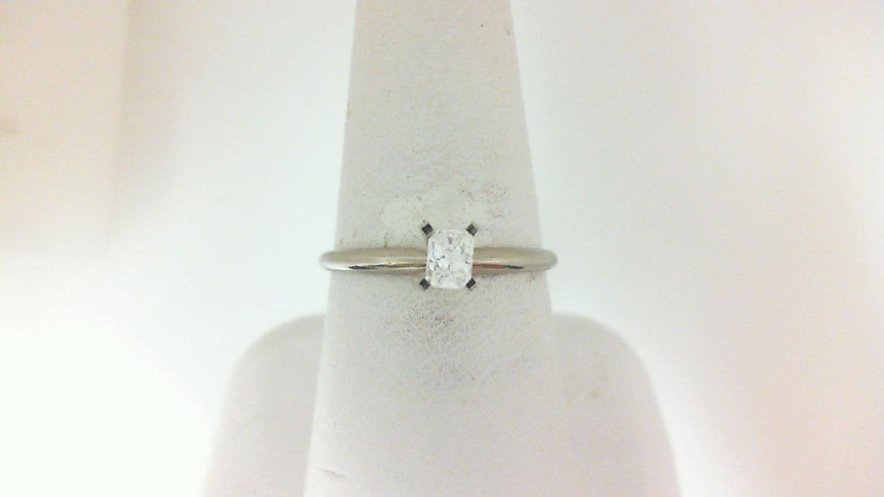 14 Karat White  Gold Solitiare Ring With One 0.20Ct Radiant G/H Vs1-2 Diamond