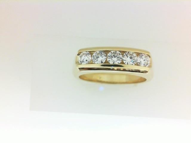 18 Karat Yellow Gold Wedding Band With One 0.17ct Forevermark Rnd Diamond, One 0.17ct Forevermark Rnd Diamond,  One 0.17ct Forevermark Rnd Diamond, One 0.17ct Forevermark Round Diamond And IOne 0.17ct Forevermark Rnd Diamond  FM 9779670 / 2937560  / 6993