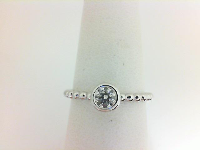 Forevermark: 18 Karat White Gold Tribute Ring With One 0.25Ct Forevermark  Round I Vs1 Diamond FM 3251215