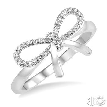 10 Karat White Gold Bow Fashion Ring With 0.07Tw Round Diamonds