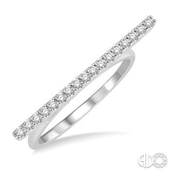 10 Karat White Gold Diamond Bar Fashion Ring With 0.15Tw Round Diamonds