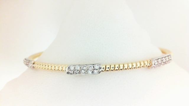 18 Karat Yellow/White Gold Bracelet With 30=0.40Tw Round Diamonds