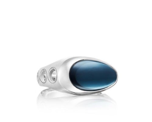 Tacori: Sterling Silver Ring With One 9.70Ct Oval Sky Blue Topaz Over Hematite Name: Monterey Roadster Vented Serial #: A20241608 Ring Size: 11