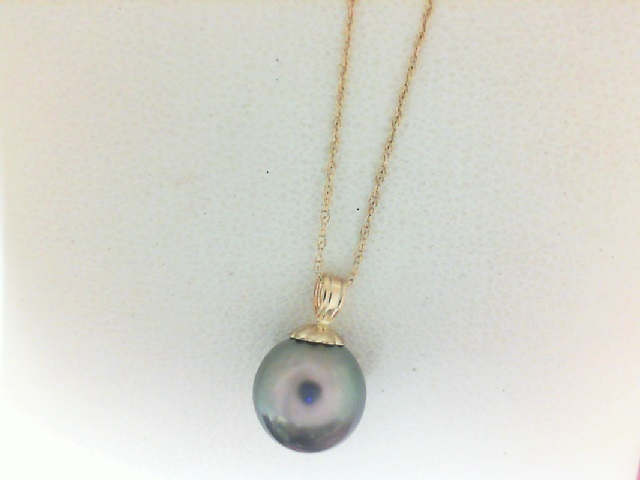 14 Karat Yellow Gold Pendant With One 8.50X 9.0mm Round Black Dyed Pearl On 18