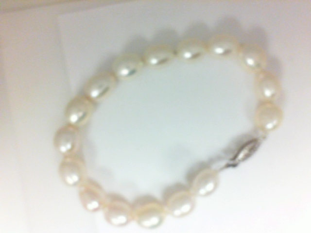 14 Karat White Gold Bracelet Freshwater Pearls 7
