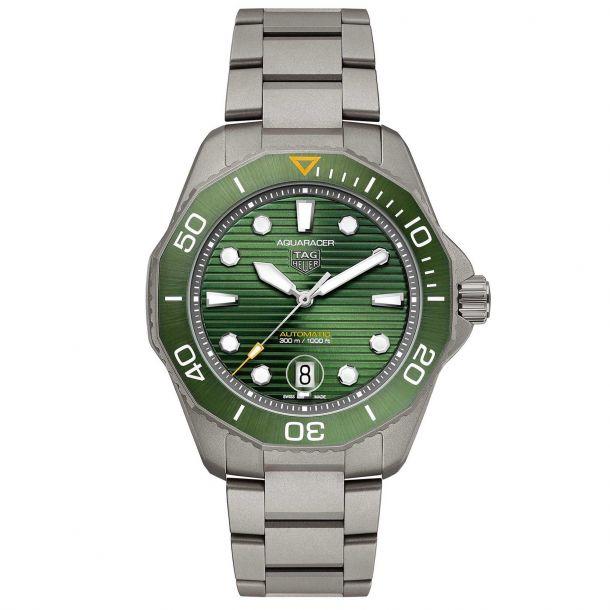 TAG Heuer AQUARACER Professional 300 Calibre 5 Automatic Titanium Watch (WBP208B.BF0631)