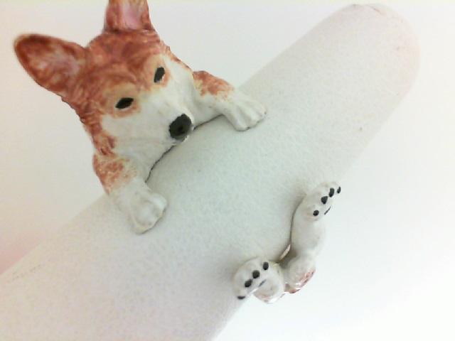 Dog Fever: Sterling Silver/Enamel Ring Name: Welsh Corgi Hug
